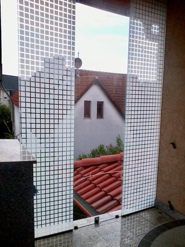 belátás elleni ablaküveg fólia