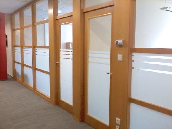 beltéri belátás elleni ablakfólia